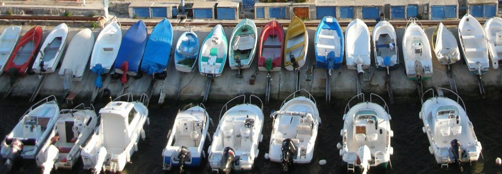 Outboard motors on dinghies